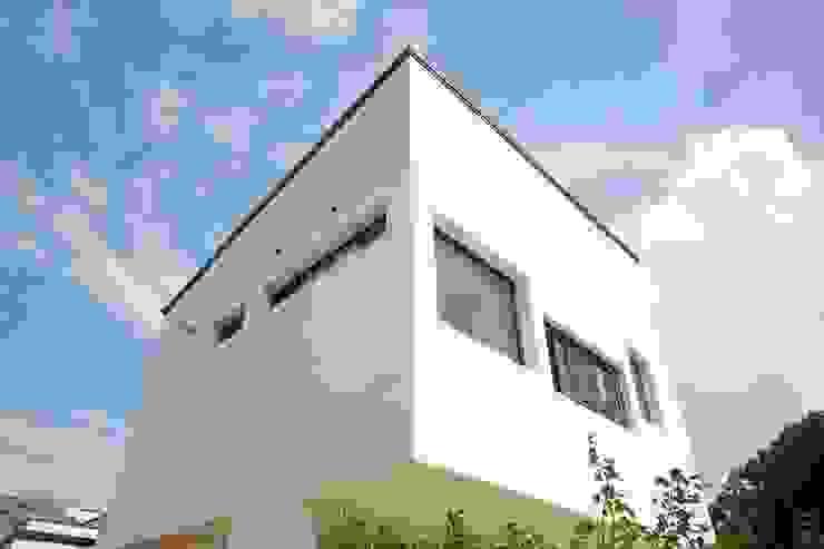 Modern home by AAPA건축사사무소 Modern