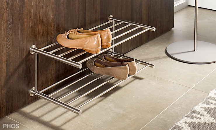 Schuhablage Wandmontage in Edelstahl Design PHOS Design GmbH Flur, Diele & TreppenhausAufbewahrungen Eisen/Stahl Metallic/Silber