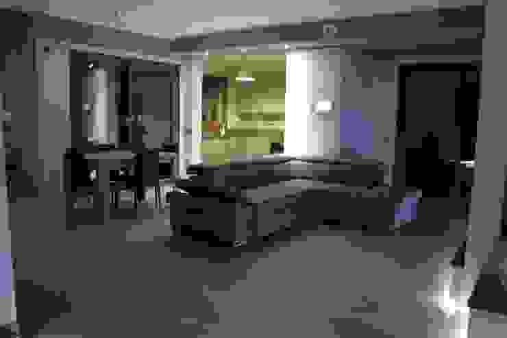 Salas de estilo mediterraneo de SOGEDI costruzioni Mediterráneo