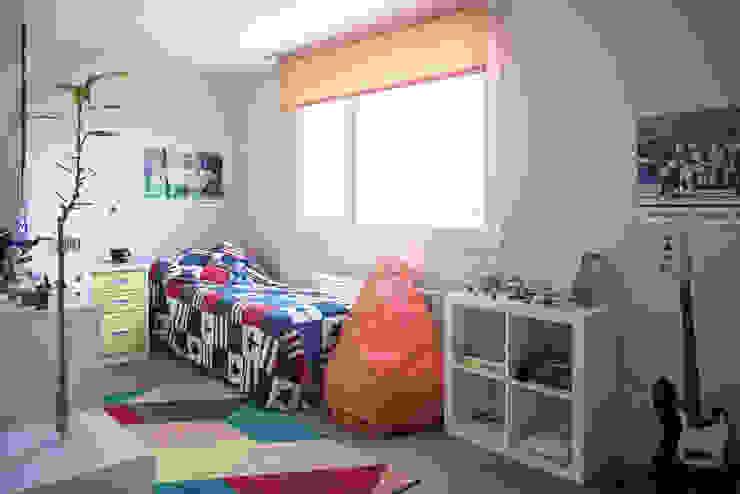 Nowoczesny pokój dziecięcy od Casas Cube Nowoczesny