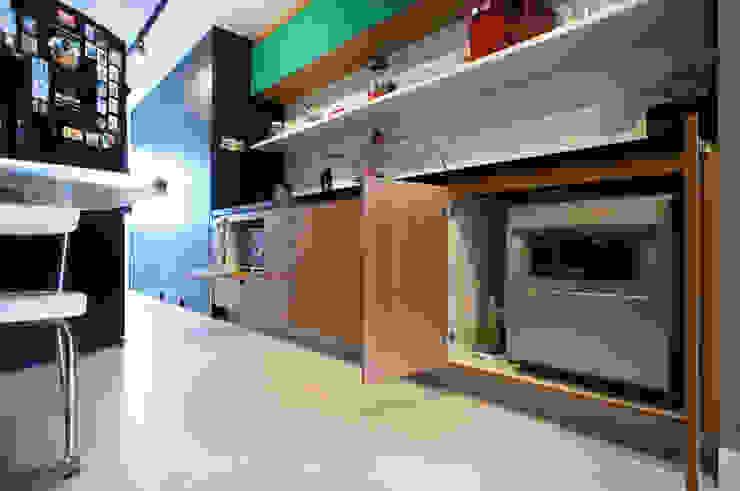 Cocinas de estilo moderno de Lelalo - arquitetura e design Moderno