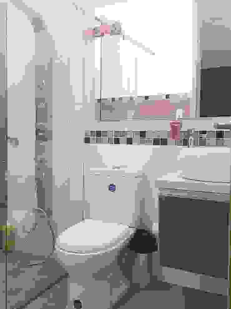 Modern Bathroom by CONSTRUCTOR INDEPENDIENTE Modern