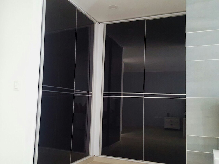 Modern Dressing Room by CONSTRUCTOR INDEPENDIENTE Modern