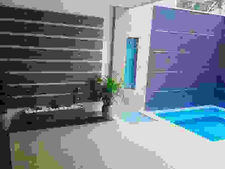 Modern Pool by CONSTRUCTOR INDEPENDIENTE Modern