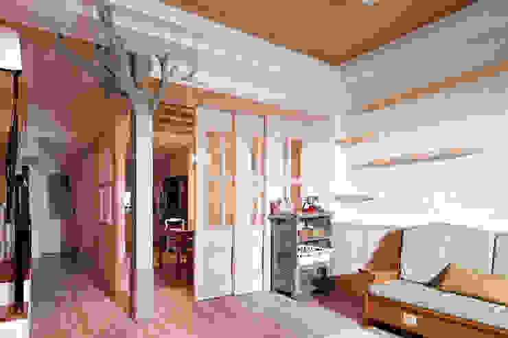 複合式別墅設計 桃園 Modern Study Room and Home Office by 達圓設計有限公司 Modern