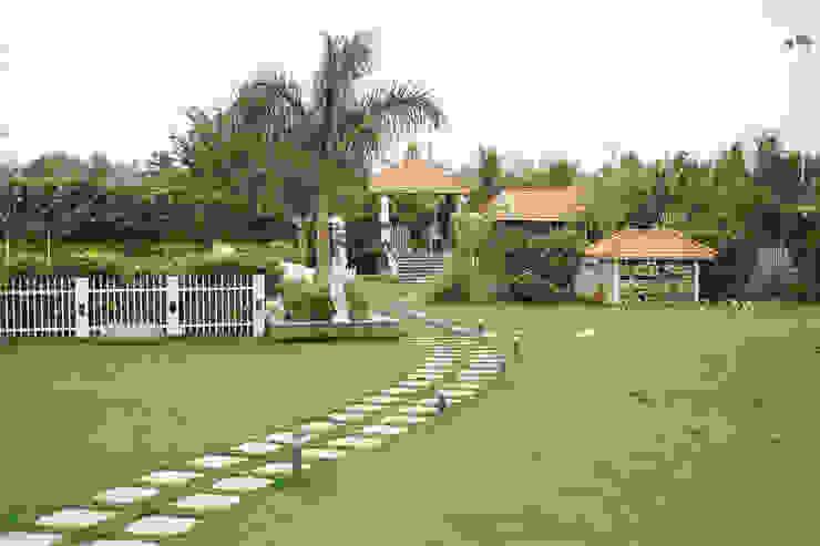 Dhanturi Farm House Mediterranean style garden by iammies Landscapes Mediterranean