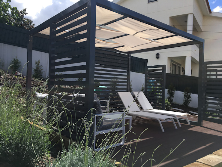 Projecto implementado moradia em Loures Jardins modernos por CatarinaGDesigns Moderno
