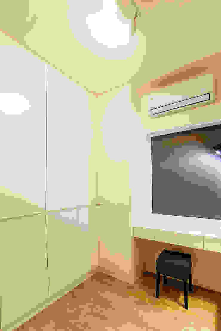 高雄市鼓山區老公寓改建 根據 澤田工程/留名堂室內設計 北歐風