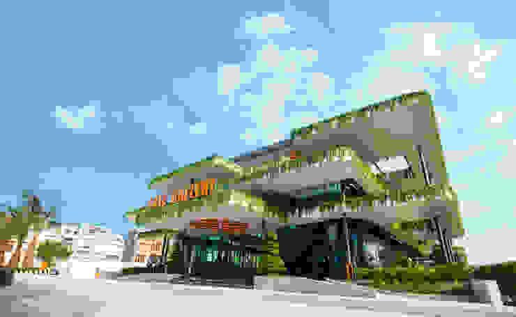 Nhà mẫu 5 sao - dự án The Western Capital bởi Studio 3 - ONG&ONG Co., Ltd Nhiệt đới