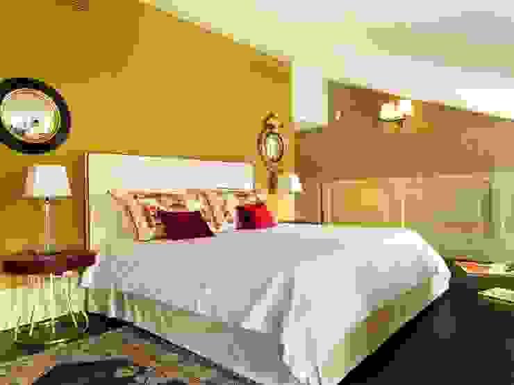 غرفة نوم تنفيذ Daniele Franzoni Interior Designer - Architetto d'Interni , كلاسيكي خشب Wood effect