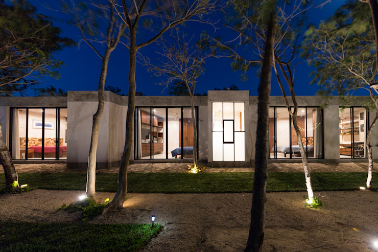Modern houses by Taller Estilo Arquitectura Modern