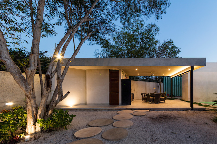 Modern walls & floors by Taller Estilo Arquitectura Modern