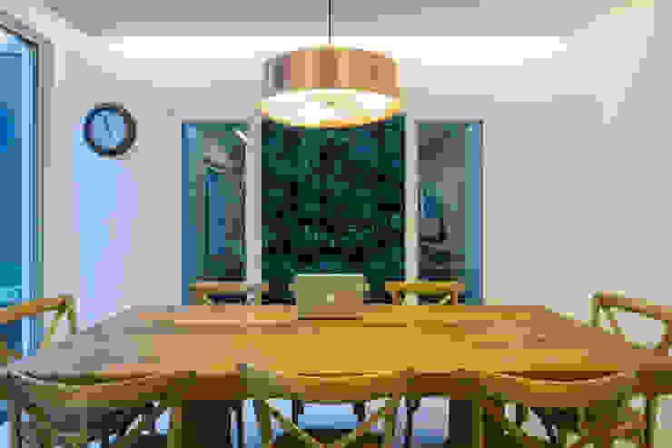 Paisagismo residencial: Jardins  por Le Jardin Arquitectura Paisagística,Tropical