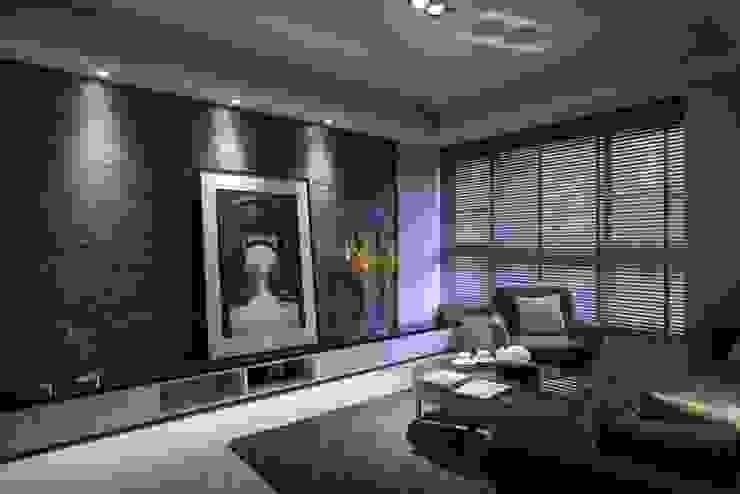 豐邑晴空匯 现代客厅設計點子、靈感 & 圖片 根據 立禾空間設計有限公司 現代風