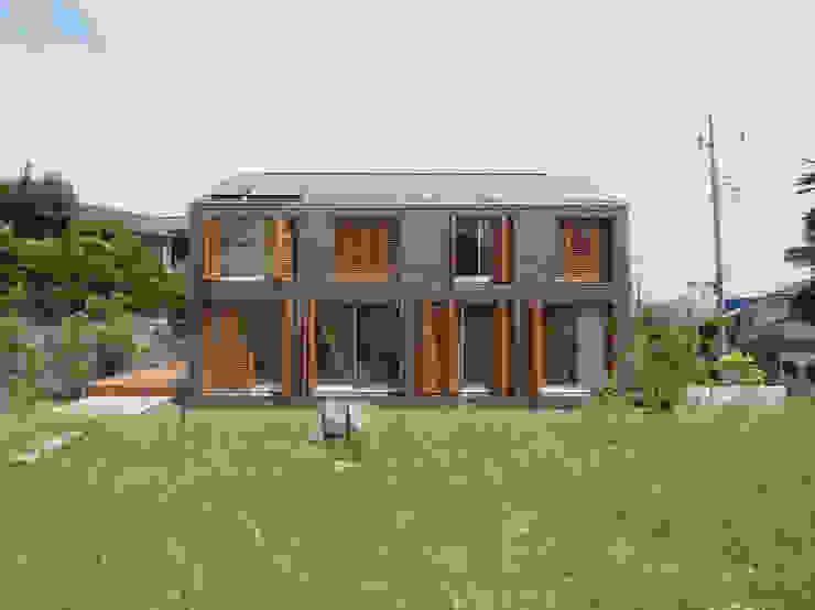 Oleh 有田佳生建築設計事務所