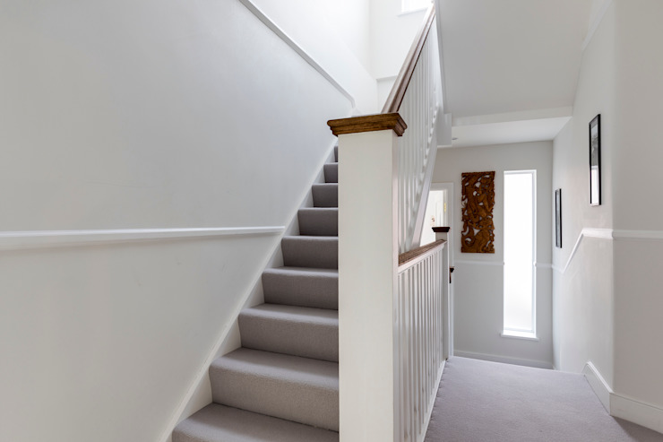 Vicarage Rd London SW14 Modern corridor, hallway & stairs by VCDesign Architectural Services Modern