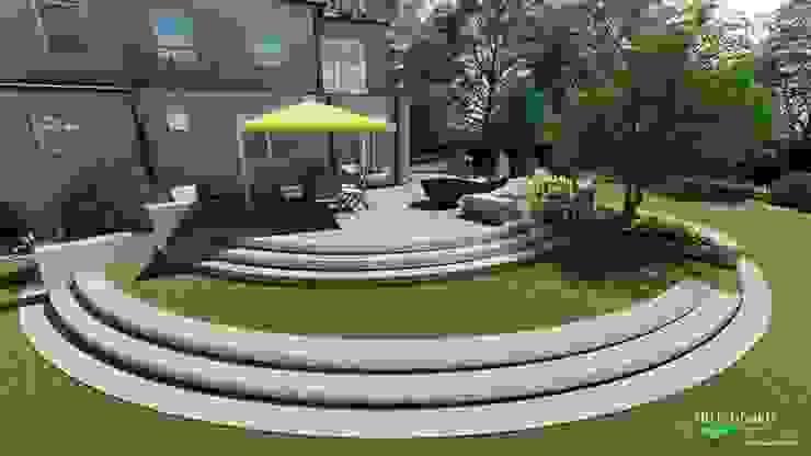 Umbau eines Gartens mit Stufen zur Terrasse von dirlenbach - garten mit stil