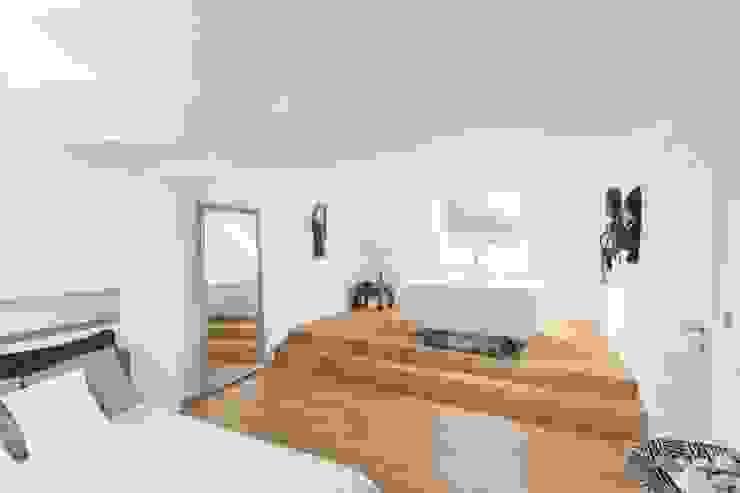 Bedroom by pickartzarchitektur