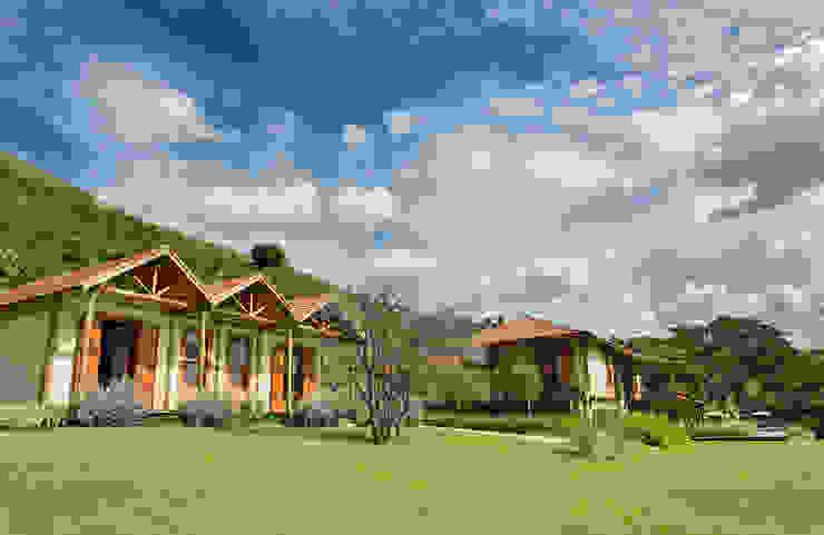 Gisele Taranto Arquitetura Casas de estilo rural