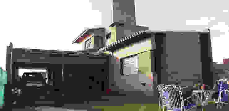 Casa en Funes IV Casas modernas: Ideas, imágenes y decoración de ELVARQUITECTOS Moderno