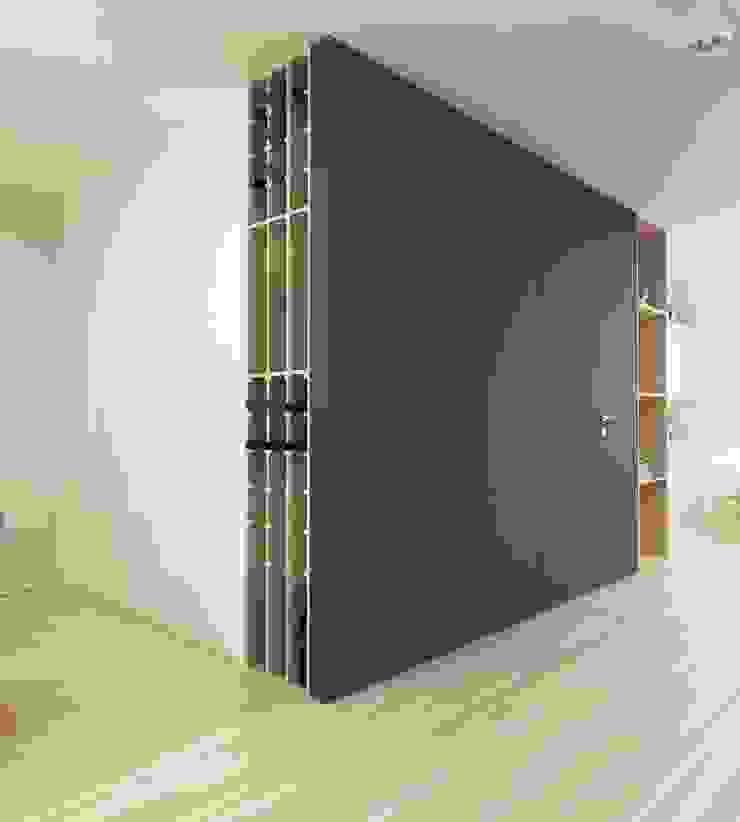 Corredores, halls e escadas modernos por FOORMA Pracownia Architektury Wnętrz Moderno