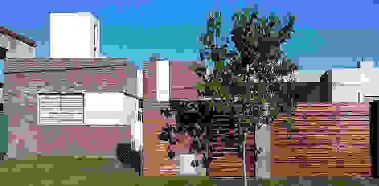 Casa Tierra de Sueños 3 Casas minimalistas de ELVARQUITECTOS Minimalista