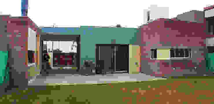 Casa Tierra de Sueños 3 Casas modernas: Ideas, imágenes y decoración de ELVARQUITECTOS Moderno