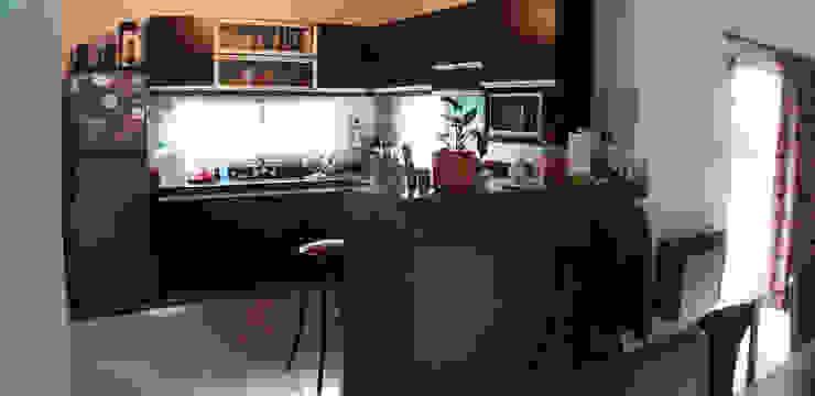 Casa Tierra de Sueños 3 Cocinas modernas: Ideas, imágenes y decoración de ELVARQUITECTOS Moderno