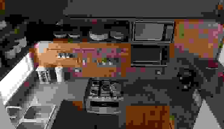 Kitchen by Estudio Punto y Linea, Modern