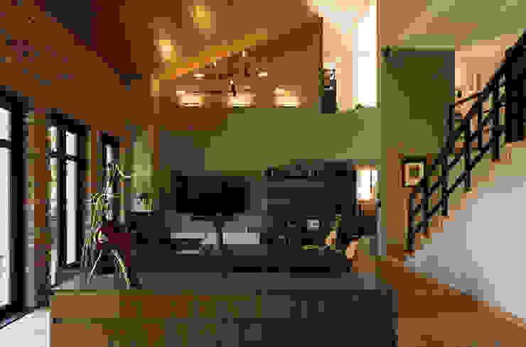 Casa AR Livings de estilo moderno de ARCO Arquitectura Contemporánea Moderno