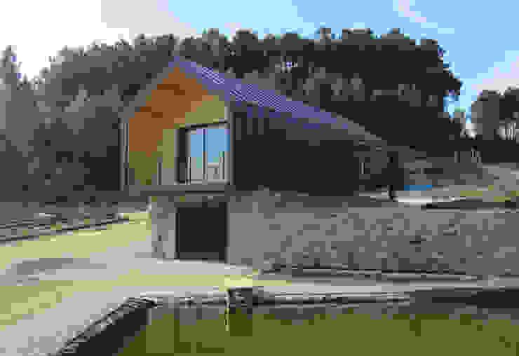 Modern garage/shed by Pedro Palma Arquiteto Modern Iron/Steel