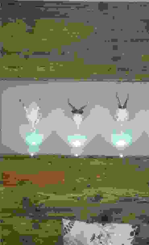 lichtundobjektberatung.de Minimalist walls & floors Engineered Wood White