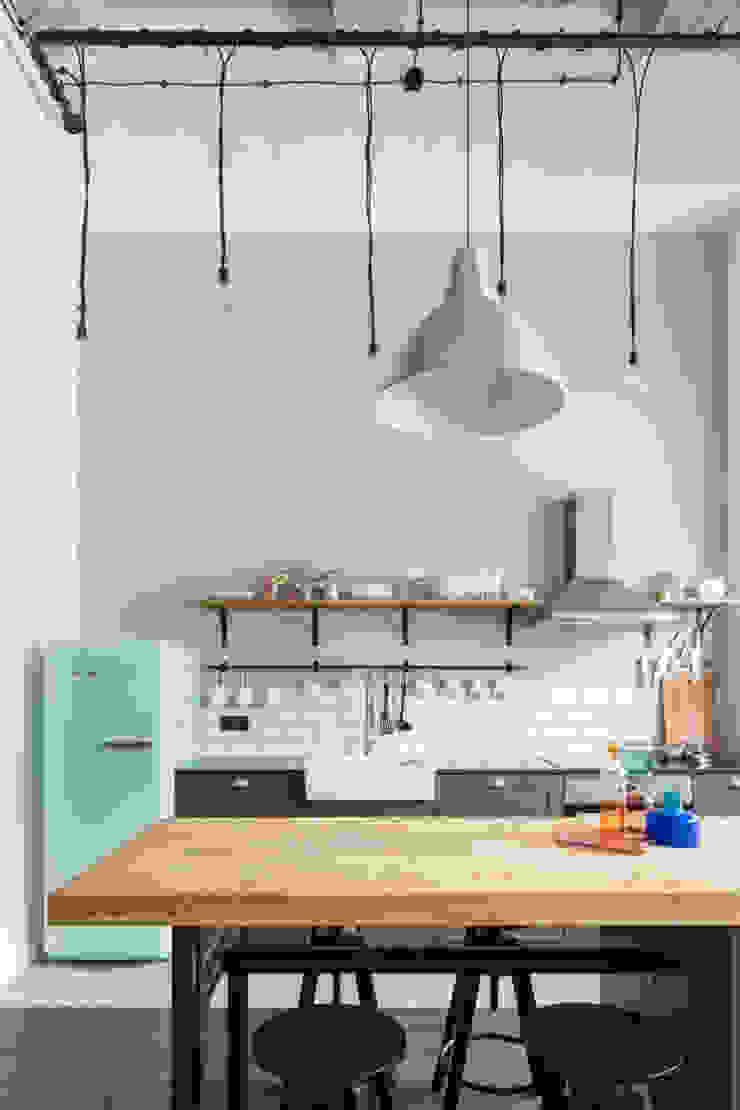 Dapur Gaya Industrial Oleh Ayuko Studio Industrial