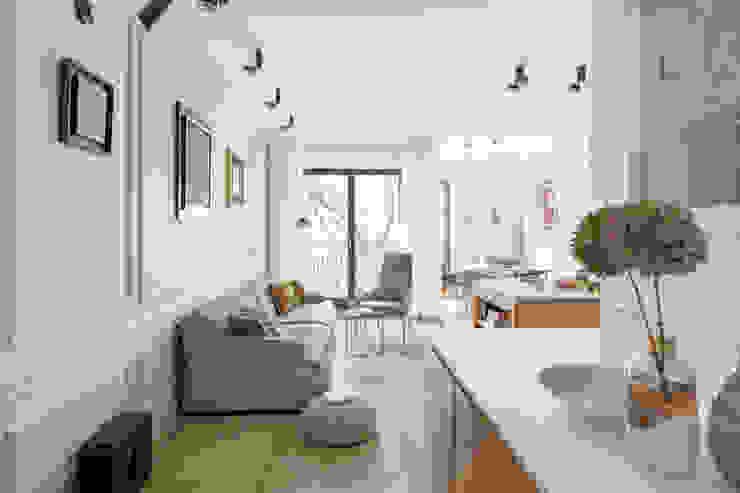 Ruang Keluarga Gaya Skandinavia Oleh Ayuko Studio Skandinavia