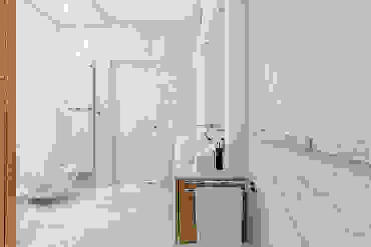 Ayuko Studio Modern bathroom