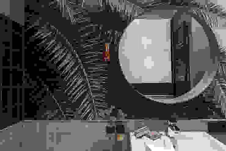 Ayuko Studio Baños de estilo moderno