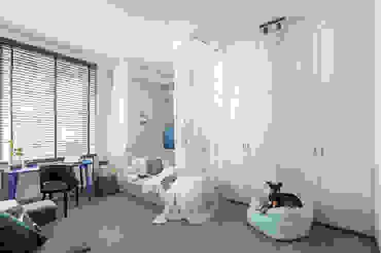 Ayuko Studio Dormitorios de estilo moderno