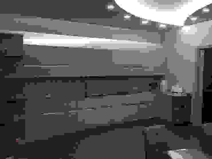 Modern kitchen by CASTIELLOproject Modern