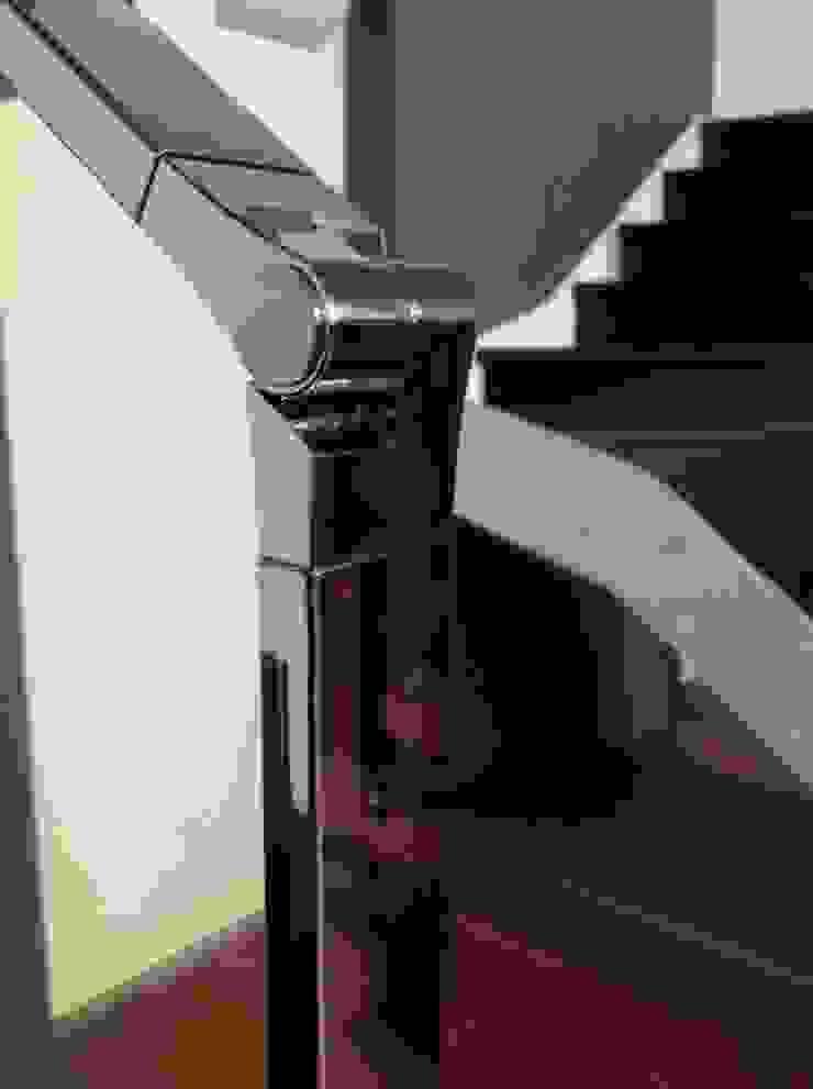 Euroscala Pasillos, vestíbulos y escaleras de estilo moderno