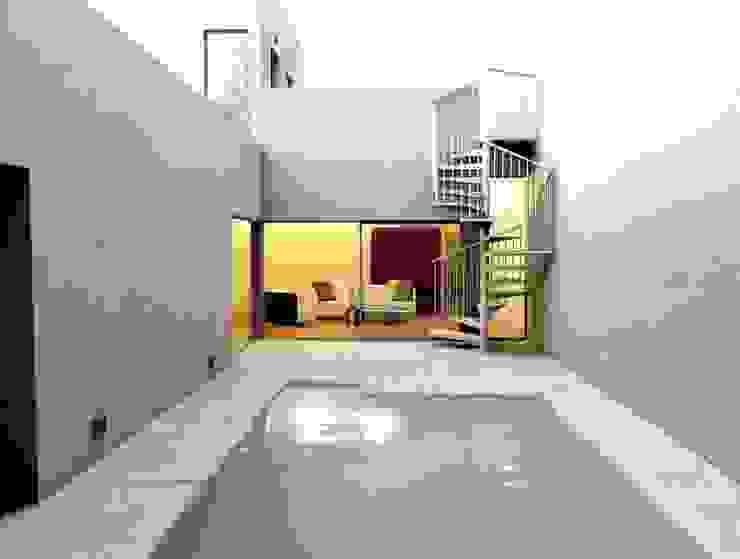 Euroscala Modern Corridor, Hallway and Staircase