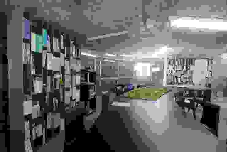 Rock Office - Văn phòng đá bởi a21studĩo Hiện đại