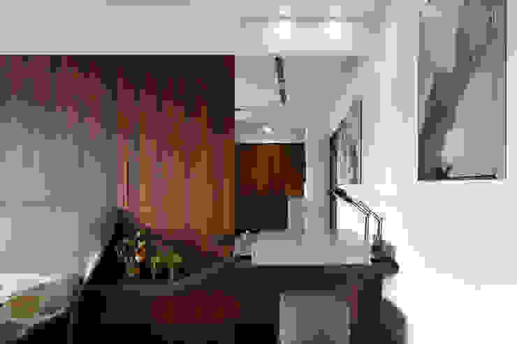 極簡美術經典系列 根據 長城工程設 簡約風 實木 Multicolored