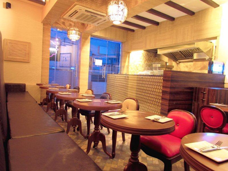 Dinning Area by Sanjiv Malhan