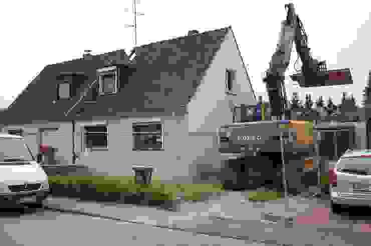2kn Architekt + Landschaftsarchitekt Classic style houses Stone White