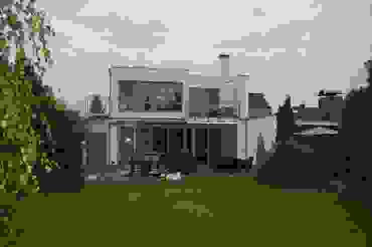 2kn Architekt + Landschaftsarchitekt Minimalist houses Stone White