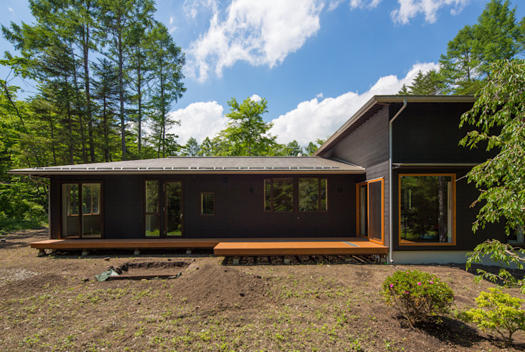 軽井沢 モリキズナの家/新築住宅: 一級建築士事務所 アトリエ カムイが手掛けた家です。