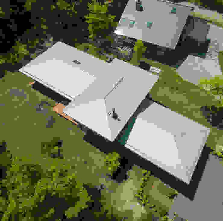 一級建築士事務所 アトリエ カムイ บ้านและที่อยู่อาศัย เหล็ก Metallic/Silver