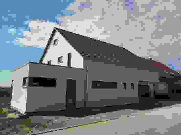 Casas estilo moderno: ideas, arquitectura e imágenes de a r c h i t e k t u r b ü r o grimm Moderno