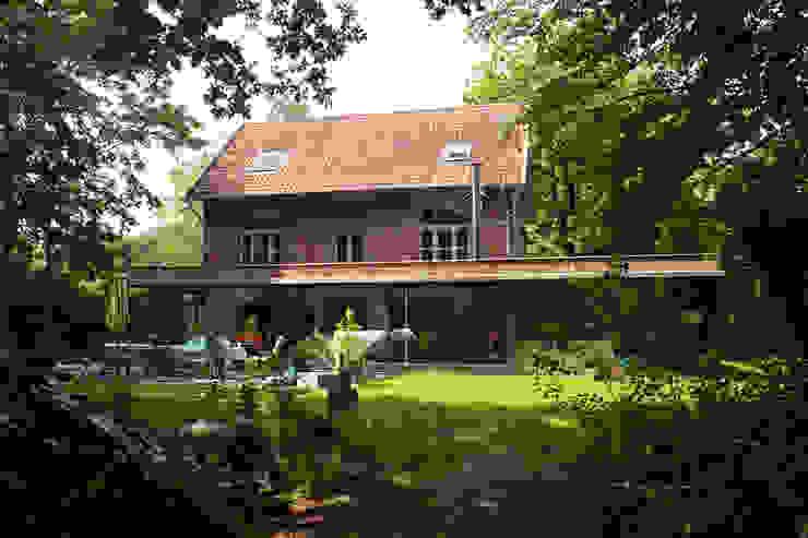 Häuser von studio architecture, Landhaus Holz Holznachbildung