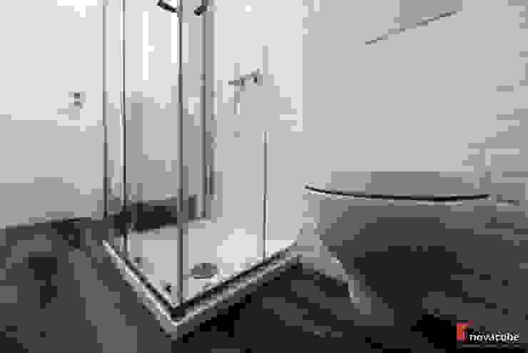 Minimalist bathroom by homify Minimalist
